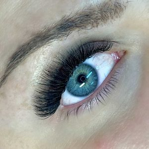 russian volume eyelash extension in limassol