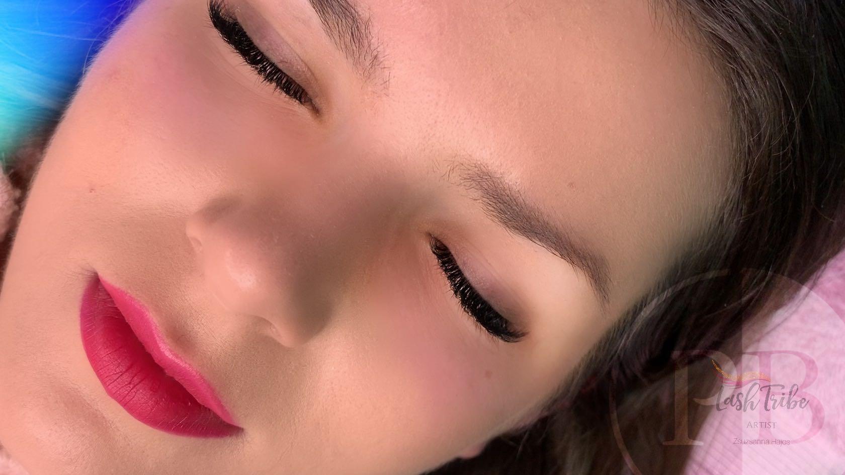 black eyelash extensions